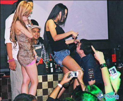 Mocha Blog Live's Mocha Uson & Mae dela Cerna play naughty games with some lucky fans