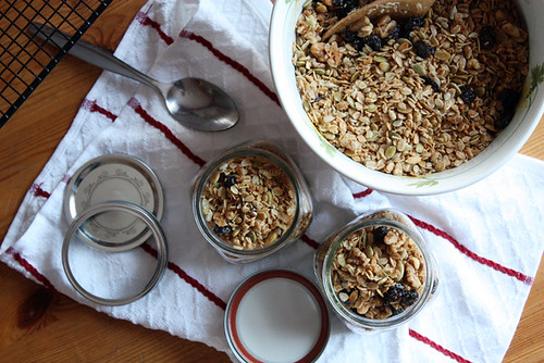 cherry, maple & walnut granola.