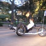 A aprender a andar em 3 rodas, com 1 no ar!