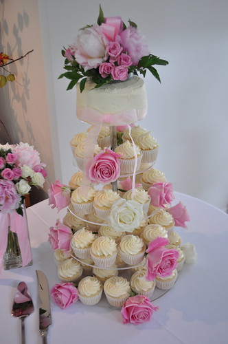 Pretty pink and cream wedding cupcakes by Cupcake Passion (Kate Jewell)