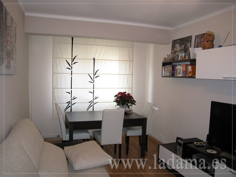 Decoraci n para salones modernos cortinas paneles for Visillo blanco salon