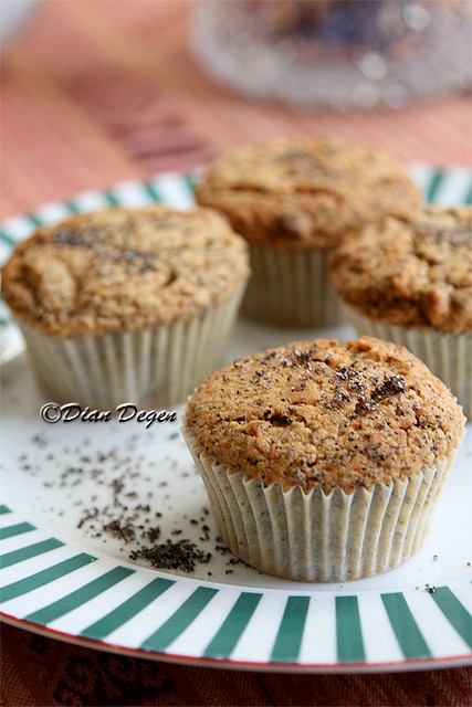 IMG_2077- poppy-seed-muffin