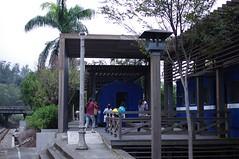 2011-12-12-06