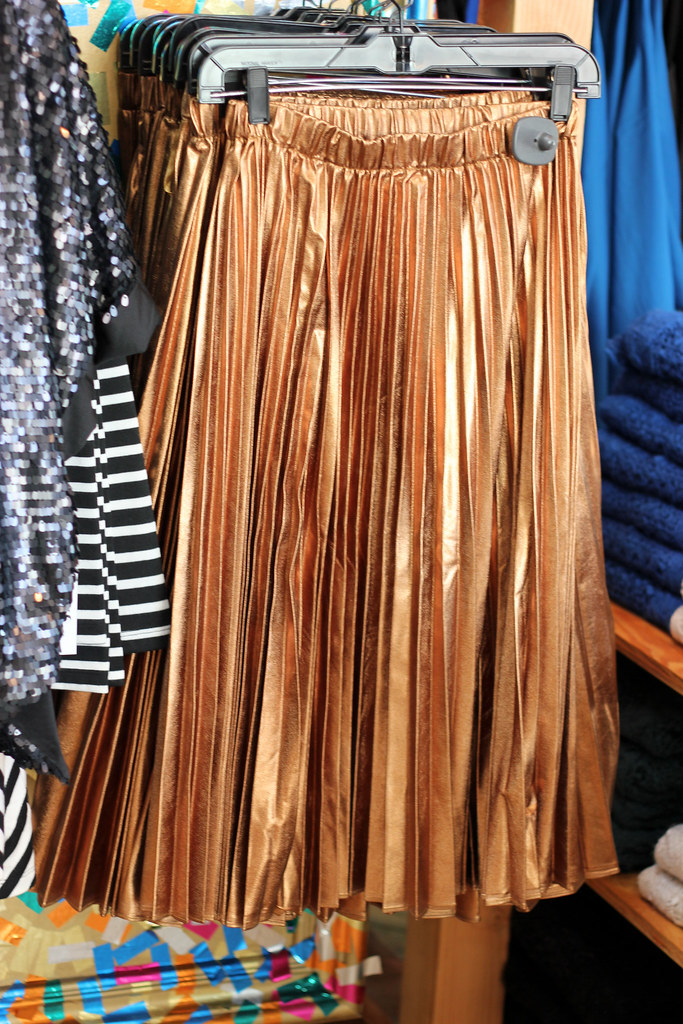 copper pleats