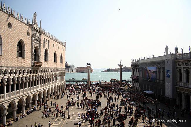 El Palazzo Ducale, a la izquierda. © Paco Bellido, 2007