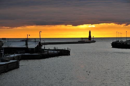lighthouse sunrise lakemichigan algoma