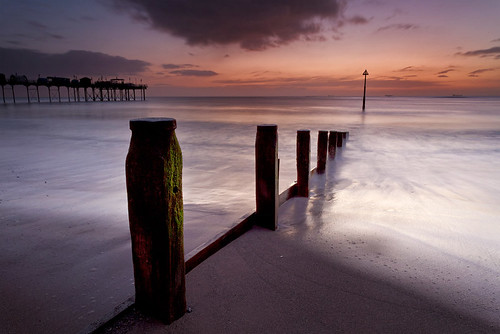 sea sunrise canon coast pier coastal marker weathered lowtide beacon groyne teignmouth