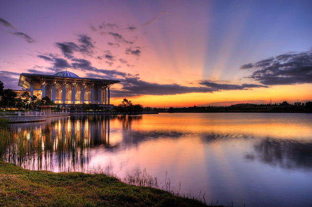 Ray of Light (ROL) at Putrajaya Lake