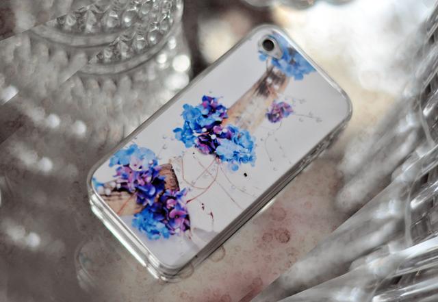 My pseudo iphone case diy tutorials love maegan for Homemade iphone case