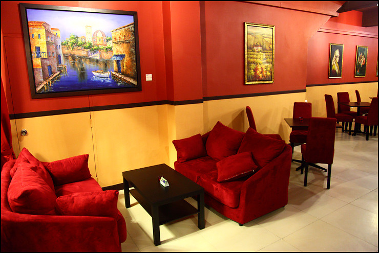 Verona trattoria italian restaurant section 17 petaling for Best color for restaurant interior