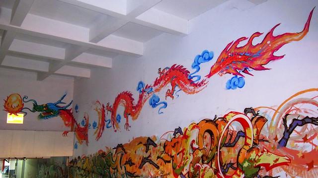 jahr des drachen - graffiti dezio - radisson blu shanghai 2012