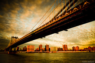 The Manhattan bridge view from Brooklyn, New York City, USA... Un monument de NYC, le pont de manhattan...