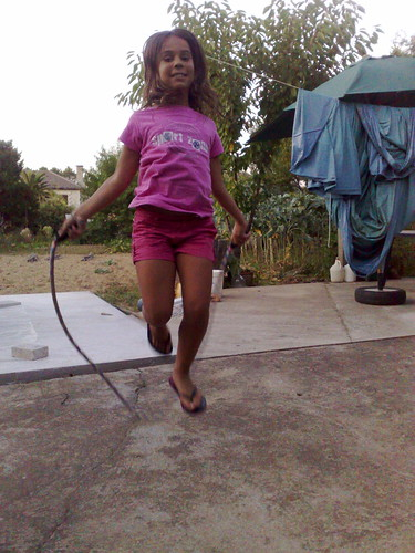 A jumping Inês