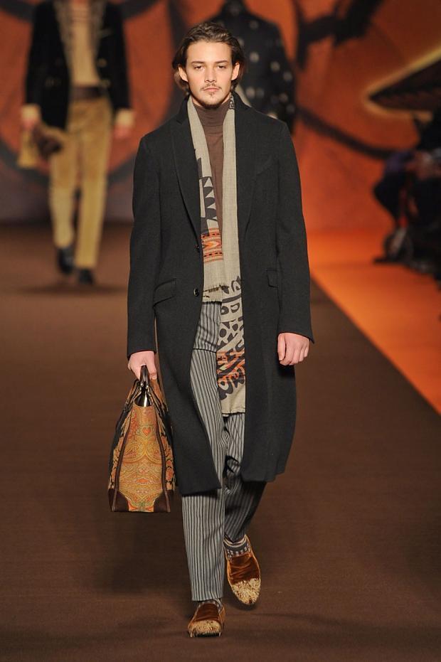 Rob Moore3358_01_FW12 Milan Etro(fashionising.com)