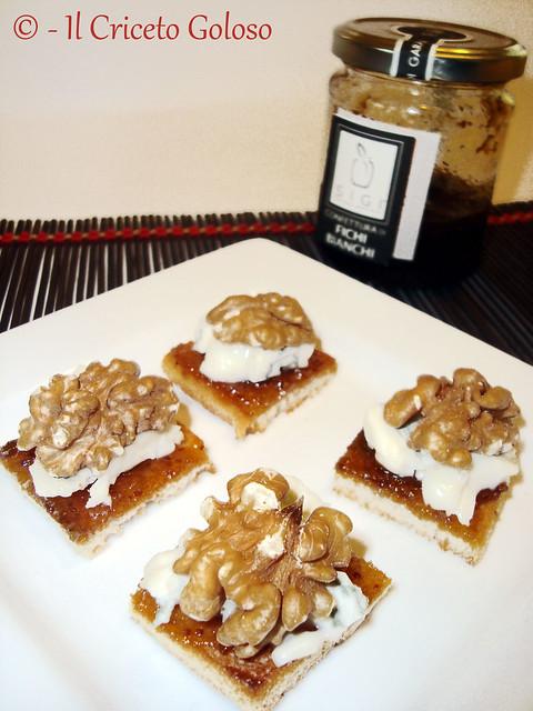 Crostini con gorgonzola, noci e confettura di fichi bianchi 2