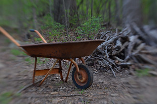 Wheelbarrow03