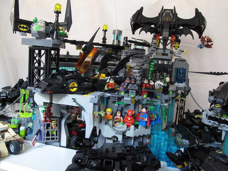 MOC] Batman, The Batcave - LEGO Licensed - Eurobricks Forums