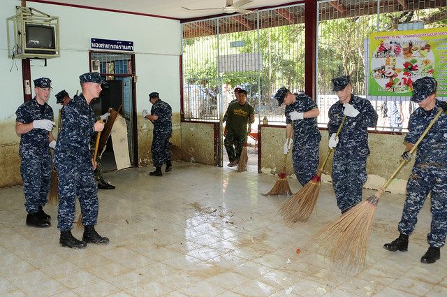 Lassen Sailors Contribute to School Rehabilitation Project in Thailand