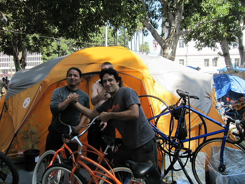 Flying Pigeon LA donates bikes to Occupy LA