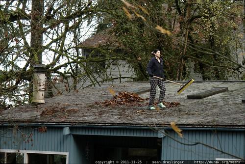 rooftop rachel, sweeping leaves    MG 2766
