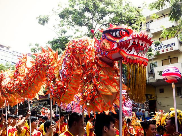 Dragon dancing in Jalan Alor