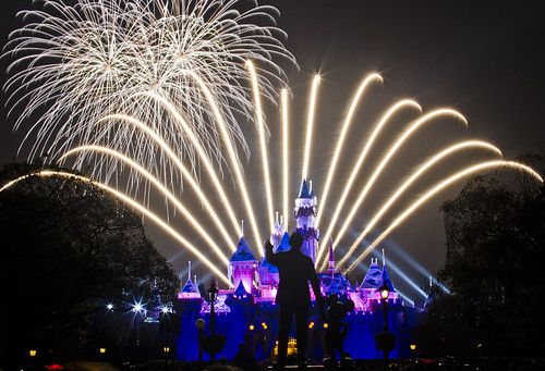 """Believe... In Holiday Magic"" Disneyland Fireworks"