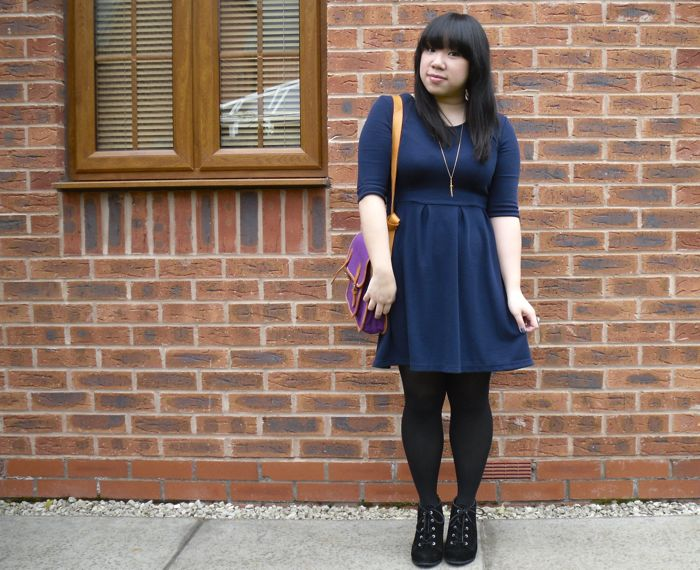 navy dress outfit