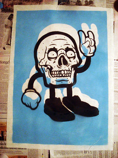 Happy Skull Stencil Sprayprint