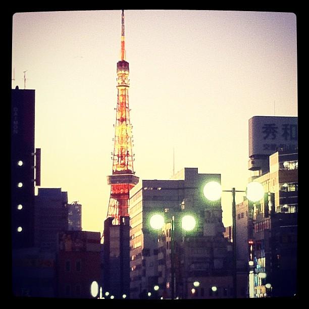 東京タワー 浜松町駅より