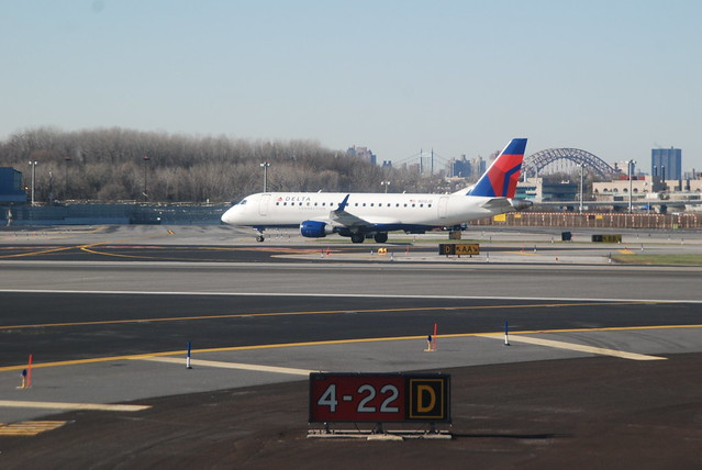 Delta Connection (Shuttle America) Embraer 170-200LR