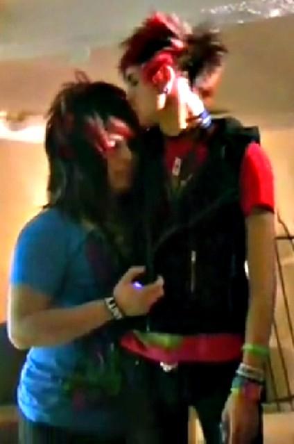 jayy and dahvie kiss