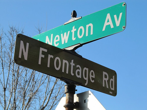 N Newton Ave at N Frontage Rd
