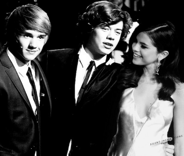 Liam being a casual 3rd wheel on a really bad Harry/Selena manip ;)