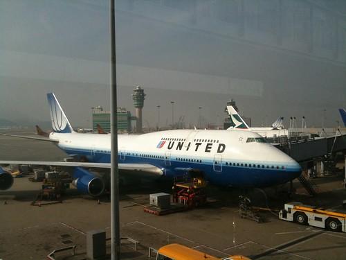 United B744 N122UA