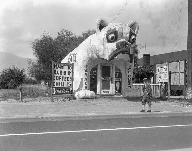 The Bulldog Cafe, 1933