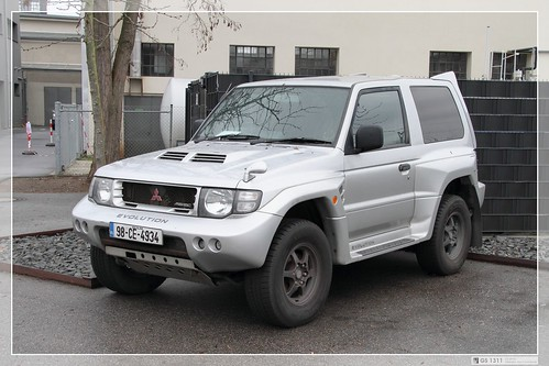 pajero car photo