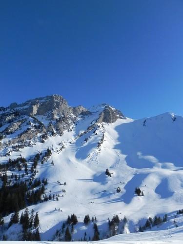 9 En face les skieurs hors piste DSCN9275