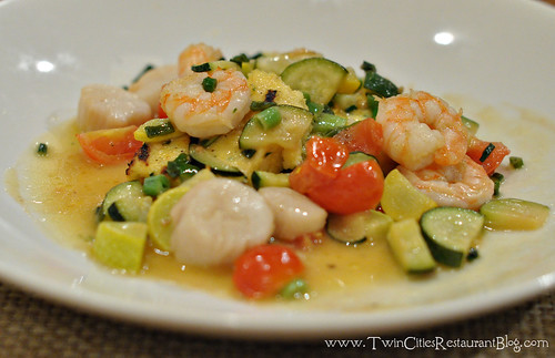 Shrimp and Scallops at Good Earth ~ Roseville, MN