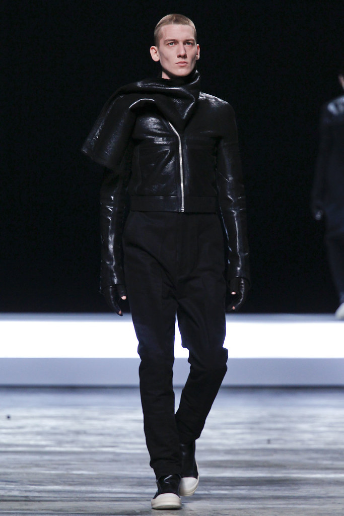 FW12 Paris Rick Owens023(VOGUE)
