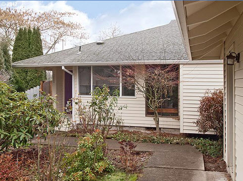 Beaverton, Oregon HUD owned home for sale (15823 SW Village Circle, Beaverton, Oregon 97007)