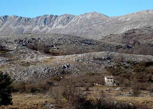 maison house casa montagne montagna mountain crêteducheiron plateaudesaintbarnabé alpesmaritimes coursegoules mygearandme rubyphotographer coth coth5 ruby10