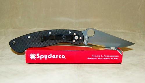 """Spyderco Military Black 4"""" S30V Plain Edge Blade, G10 Handles"""