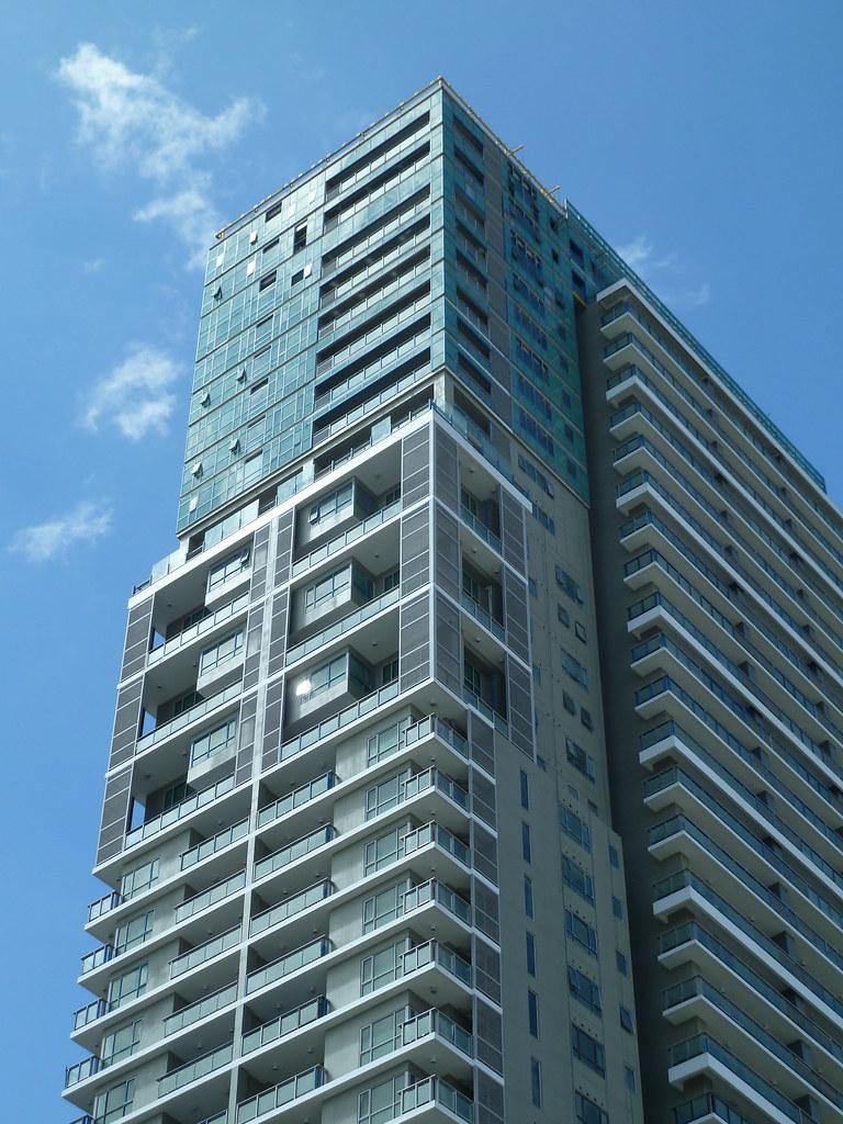 One Serendra - East Tower l TAGUIG l 150m l 41fl
