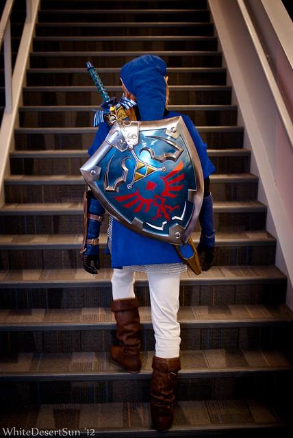 Link blue tunic