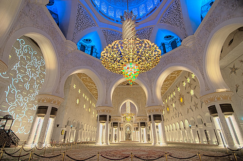 Sheikh Zayed Grand Mosque, Abu Dhabi by Leonid Yaitskiy