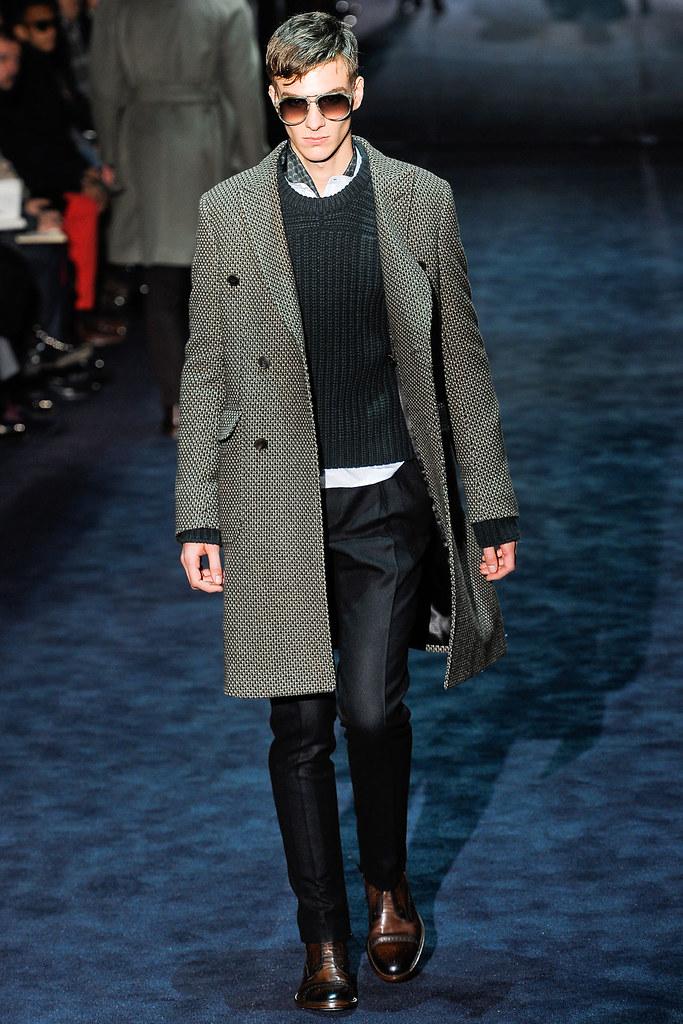 Antoine Des Beauvais3008_FW12 Milan Gucci(VOGUE)