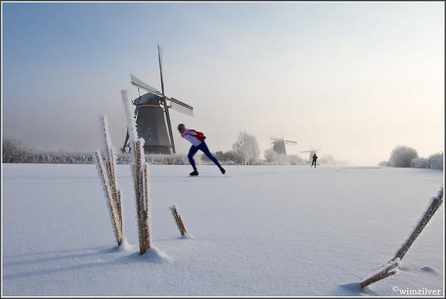 First skater in Kinderdijk