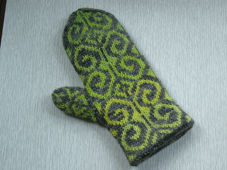 Citrusy Fiddle Head Mitts