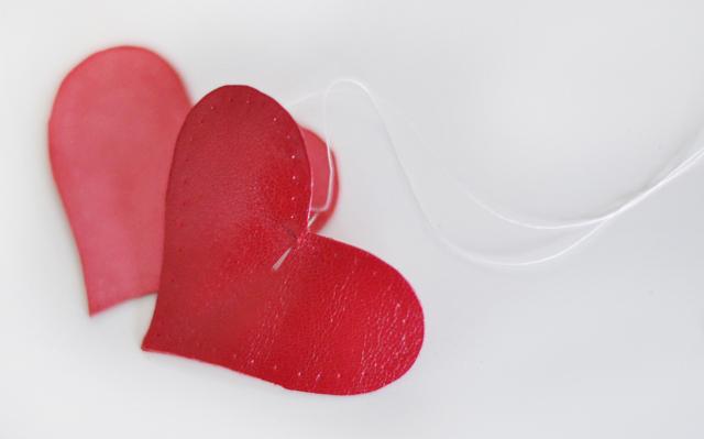 DIY leather heart keychain -7