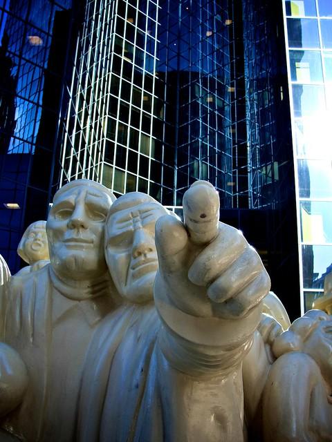 Monuments_montréalais, Foule_illuminée 4